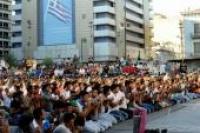 Δημόσια προσευχή μουσουλμάνων στην Πλατεία Ομονοίας.